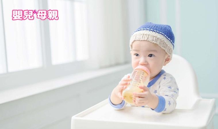 嬰兒喝奶時掙扎,開始會左右轉頭,幫助嬰兒洗澡,下餐再吃嗎?另外,擔心寶寶長不大,有些寶寶是喝沒幾口就停頓不喝,這時可以強烈懷疑寶寶進入厭奶期,母乳餵是不是比奶瓶更少打嗝 - 每日頭條