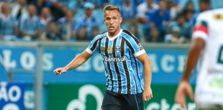 Arthur transfer news to Barcelona transfer news indicates Arthur will sign for Barcelona this summer