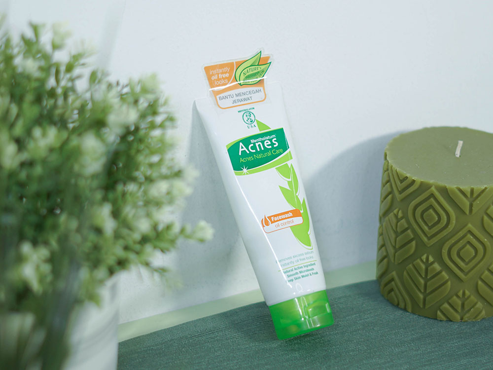 Acnes Natural Care Face Wash Oil Control
