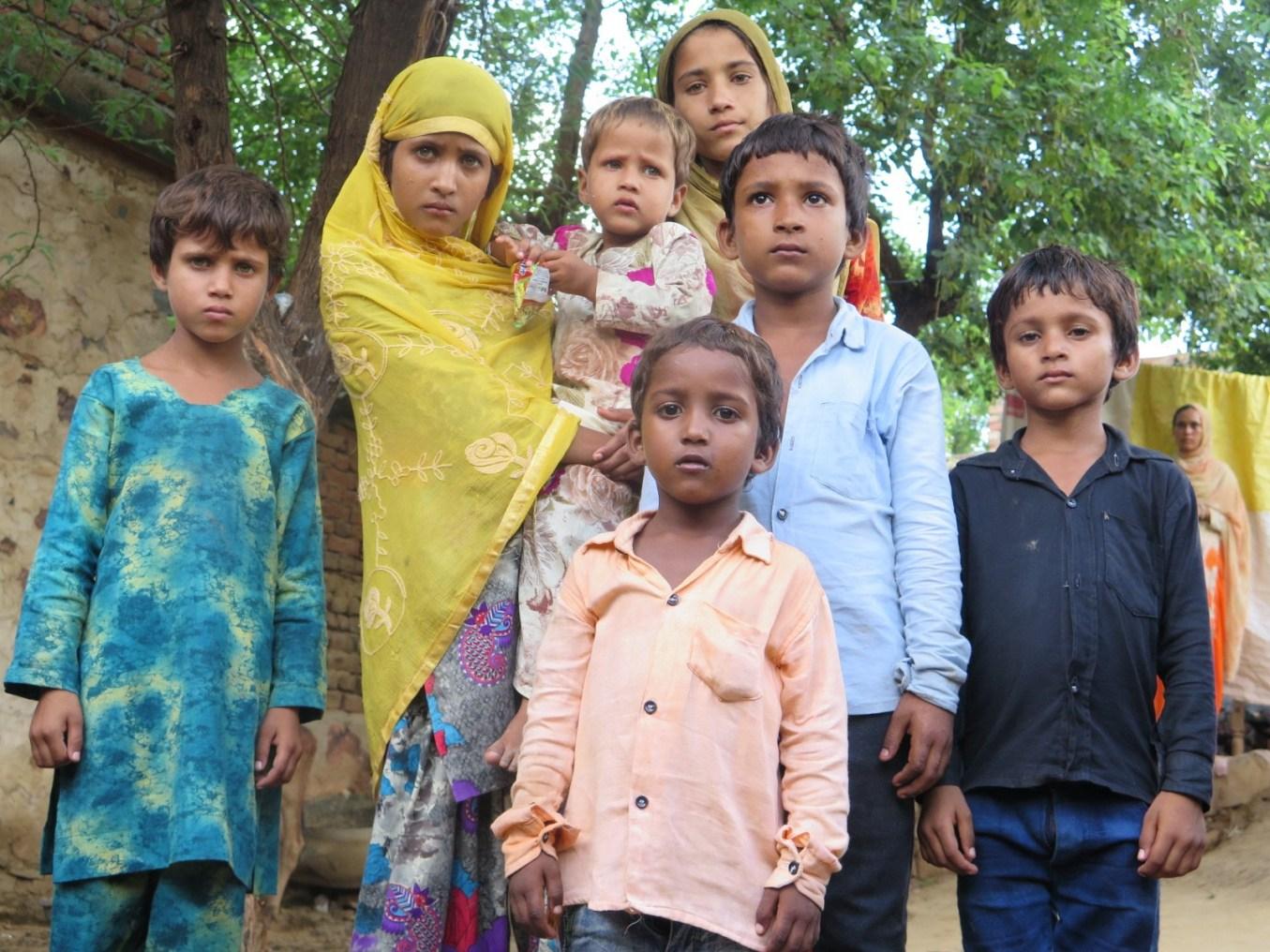 اکبر کے بچے (فوٹو : جیوتی یادو)