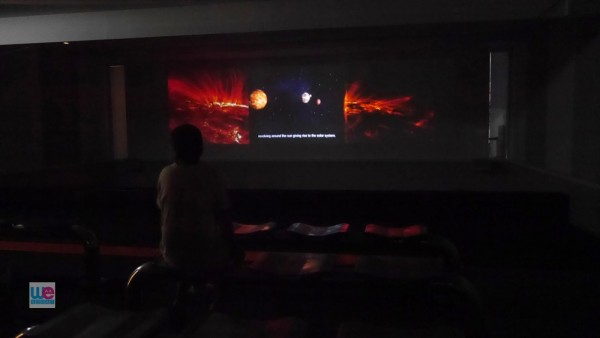ห้องแสดงวิดีโอแนะนำพิพิธภัณฑ์ ที่มีลูกเล่นแบบ 4 มิติ
