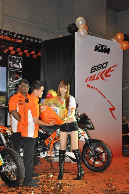 KTM Duke R (2011) Launch - 086