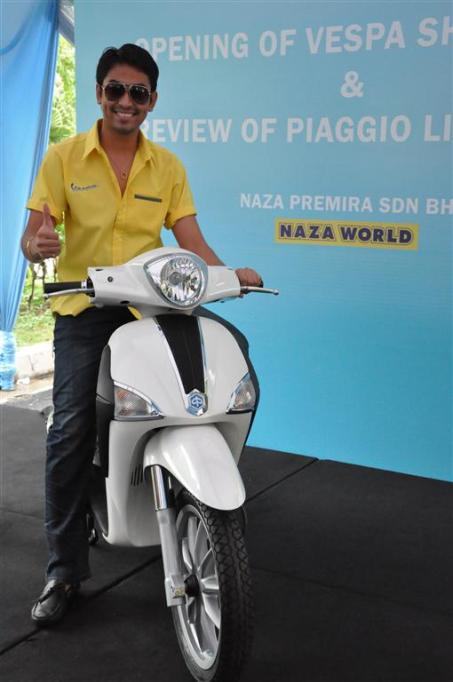 Piaggio Liberty 150cc Launch at New Vespa Showroom - 07