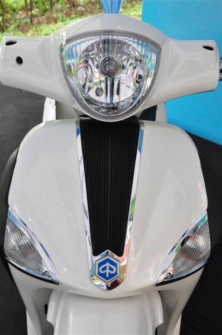 Piaggio Liberty 150cc Launch at New Vespa Showroom - 86