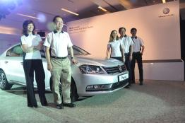 The-New-Volkswagen-Trio-Passat-Sedan-Jetta-Cross-Touran-23