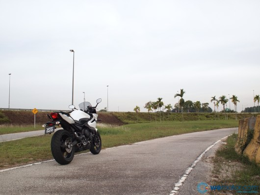 2013 Yamaha XJ6 Diversion 001