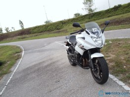 2013 Yamaha XJ6 Diversion 005