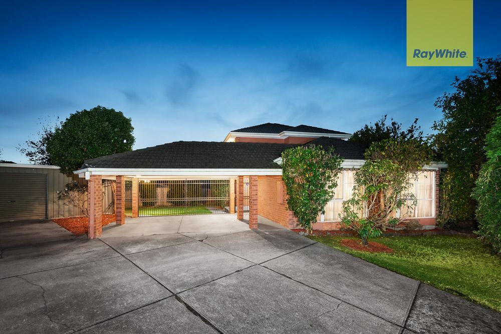 74 Wakley Crescent, Wantirna South, VIC 3152 Sale & Rental