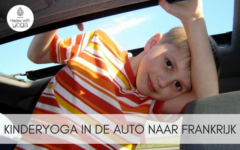 Kinderyoga in de auto