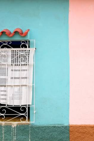 beautiful-colors-and-geometry-of-the-cuban-architecture-9-900x1349