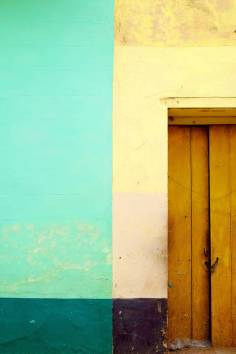 beautiful-colors-and-geometry-of-the-cuban-architecture-2-900x1350