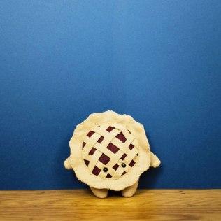 069100-boysenberry-pie-lg