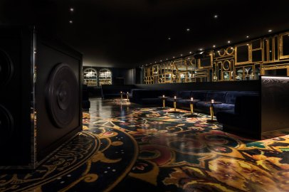 mondrian-marcel-wanders-interiors-hotels-doha-qatar_dezeen_2364_col_2