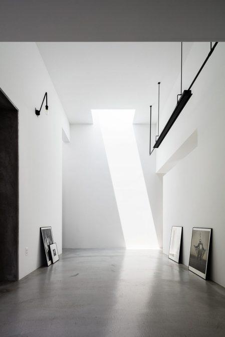 Architecture_House_For_A_Photographer_FORM_Kouichi_Kimura_Architects_9-1440x2160