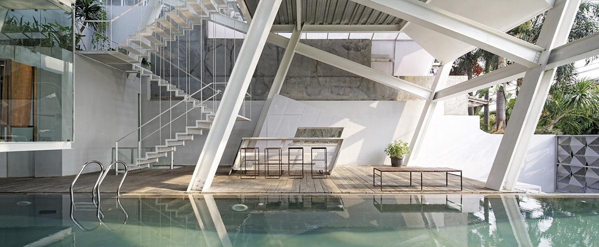 SLANTED HOUSE_ Budi Pradono Architects