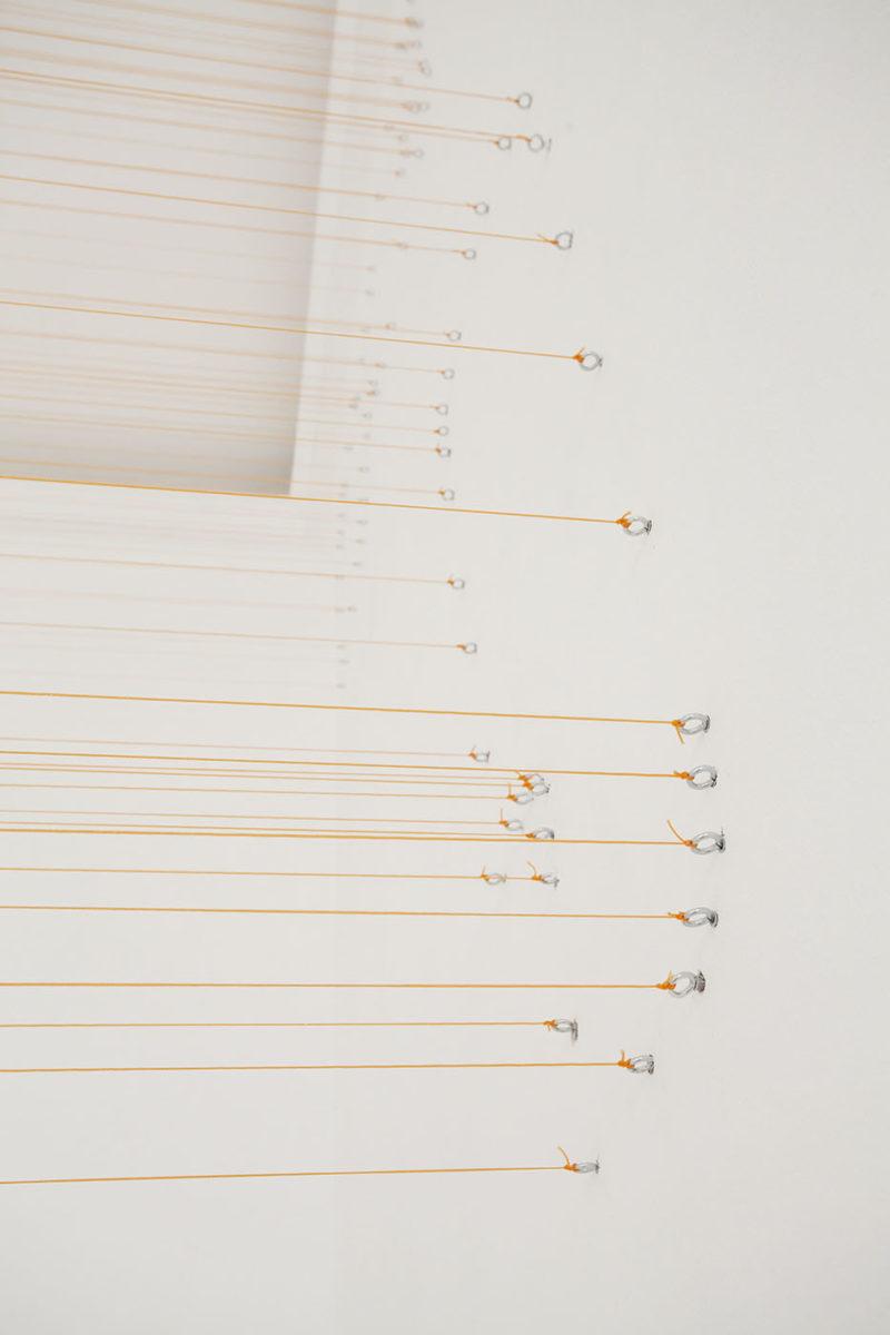 Michaela Vrbková, Infraordinary, 2019. Instalation, hooks, building string
