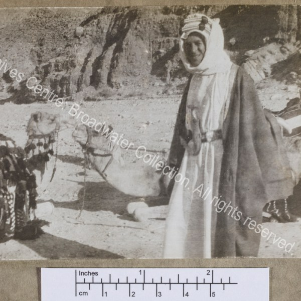 """Three quarter length photograph of T E Lawrence [""""Lawrence of Arabia"""""""