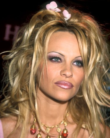 cliomakeup-4-beauty-trend-imperdibili-top-hashtag-instagram-chroming-terra-rossetto-pamela-anderson