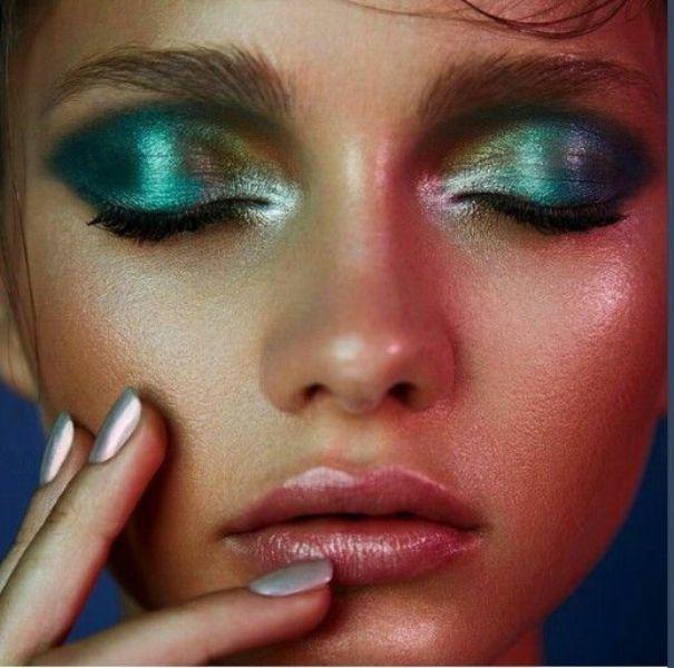 ClioMakeUp-pro-contro-prodotti-makeup-crema-ombretto-metallico