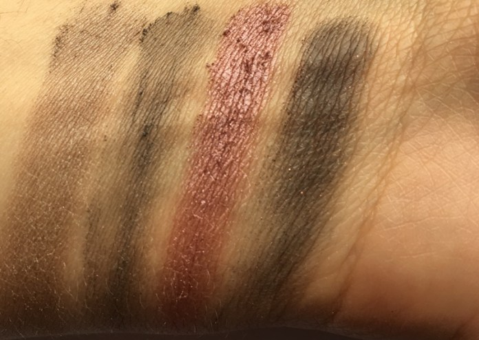 ClioMakeUp-recensione-maybelline-the-blushed-nudes-palette-swatch3