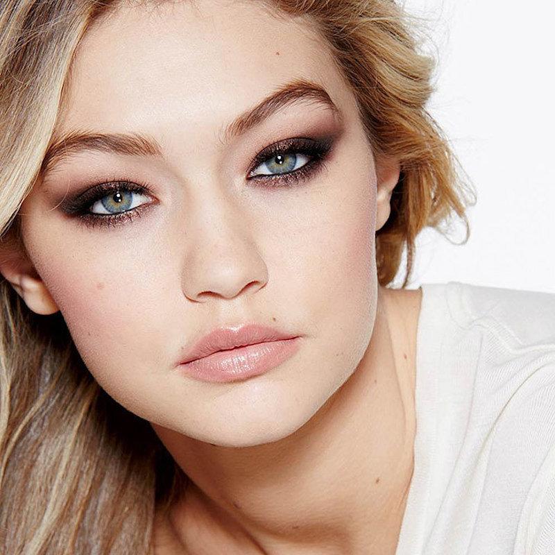 Capelli per ragazze con occhi azzurri