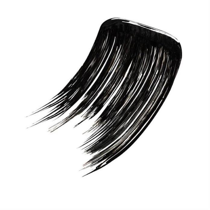 ClioMakeUp-mascara-migliore-incurvante-volumizzante-nero-applicazione-wwwrebeccamakeupit