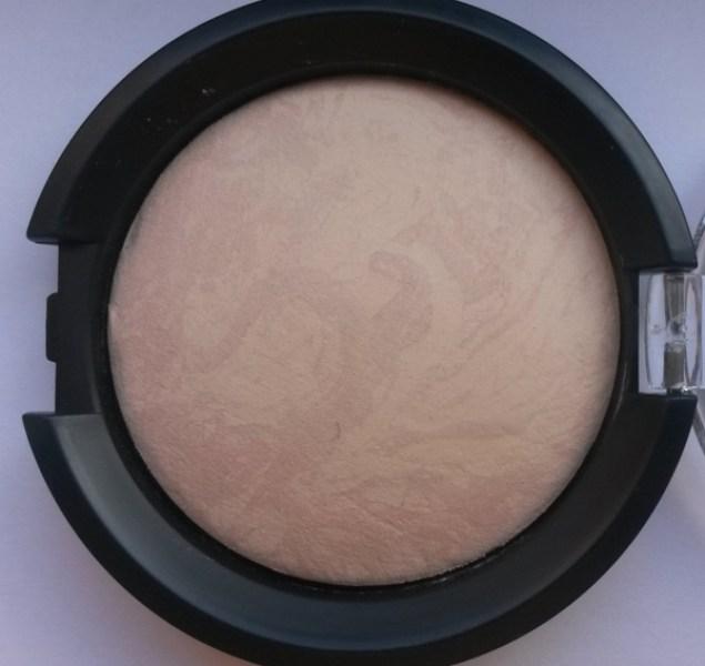 ClioMakeUp-recensione-essence-pure-nude-powder-10-macro