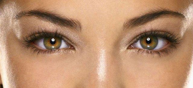 cliomakeup-mascara-marrone-13-occhi-verdi-nocciola