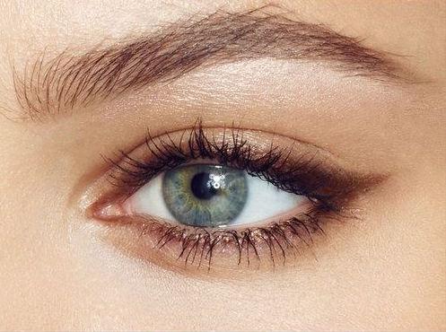 cliomakeup-mascara-marrone-8-occhi-azzurri