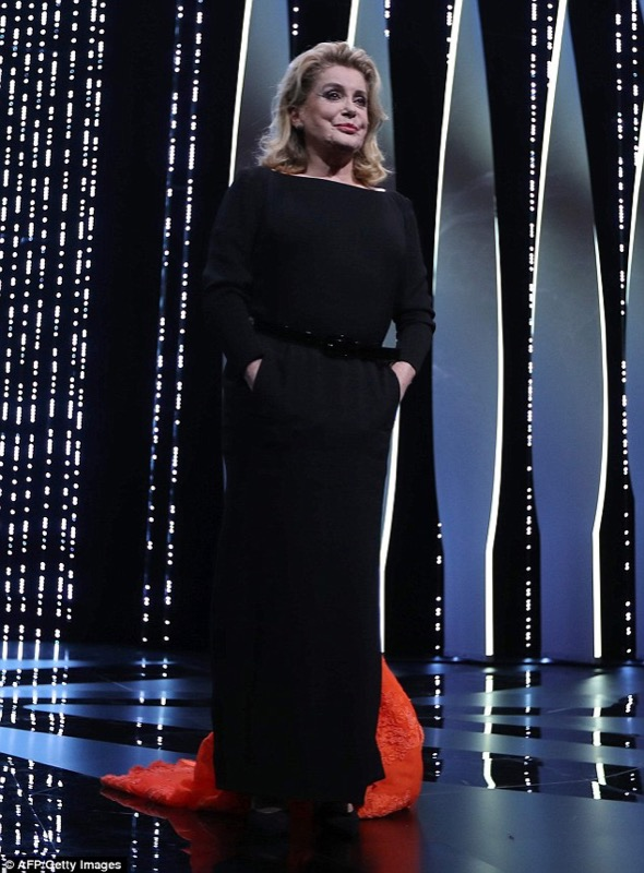 ClioMakeUp-Cannes-2016-red-carpet-beauty-look-primi-giorni-star-vip-catrine-deneuve-1