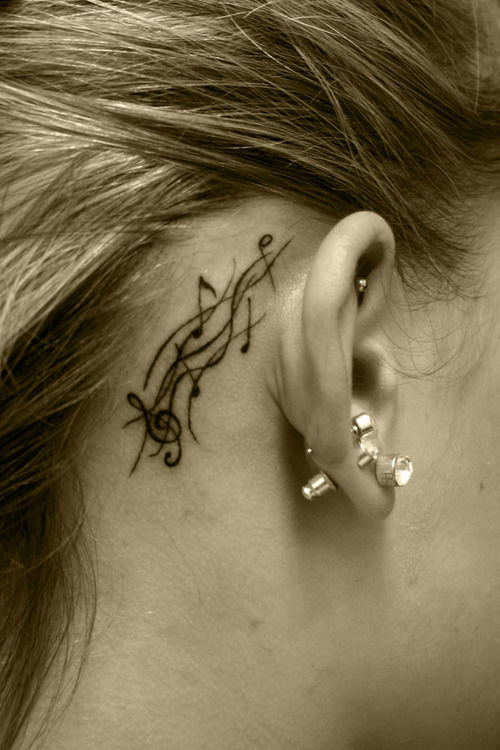 ClioMakeUp-tatuaggi-2-orecchio