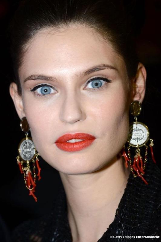 ClioMakeUp-trucco-castana-occhi-azzurri-occhi-labbra-rossetto-ombretto-12