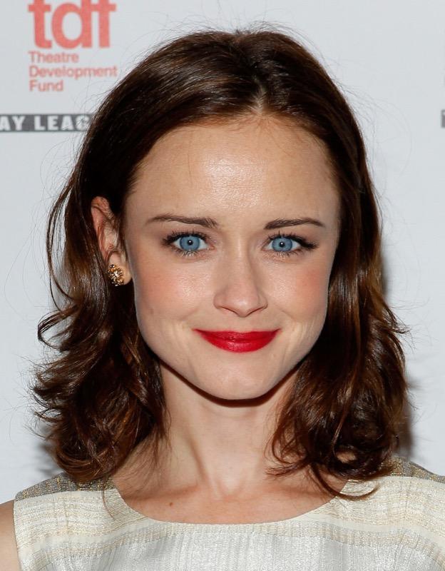 Trucco castana occhi azzurri  star capelli scuri e gli occhi chiari! f01e0491ae18