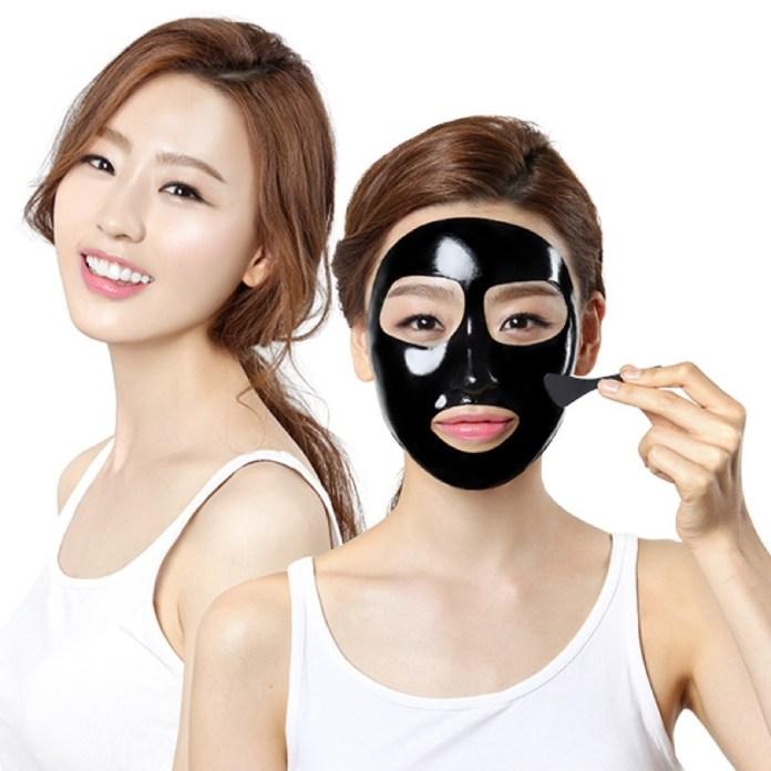 cliomakeup-black-mask