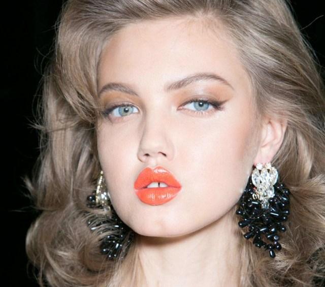 cliomakeup-cat-eye-trucco-occhi-look-copiare-eyeliner-ombretto-satinato