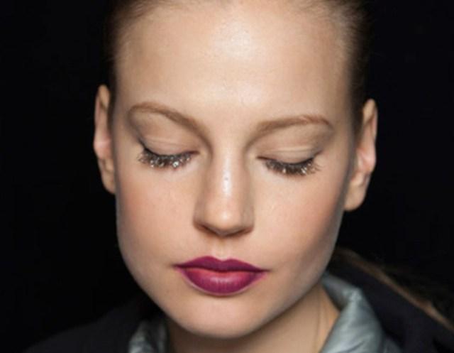 cliomakeup-ciglia-glitter-prodotti-mascara-look-sfilata-3