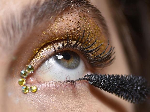 ClioMakeUp-makeup-autunno-2016-9-glitter-occhi