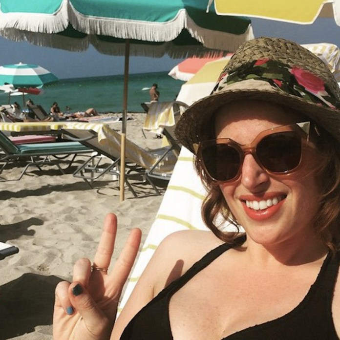 ClioMakeUp-migliori-solari-pelle-grassa-15-spiaggia