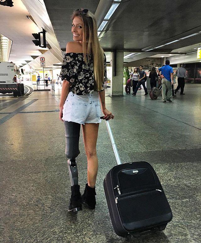 ClioMakeUp-modella-disabile-8-gamba