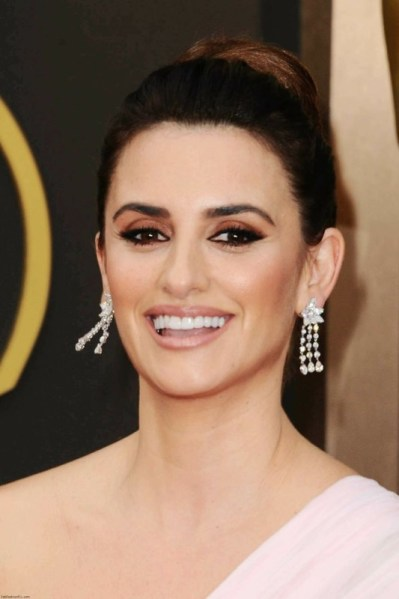 ClioMakeUp-trucco-castana-occhi-castani-look-star-make-up-Penelope-Cruz