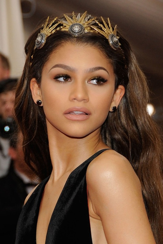ClioMakeUp-trucco-castana-occhi-castani-look-star-make-up-zendaya