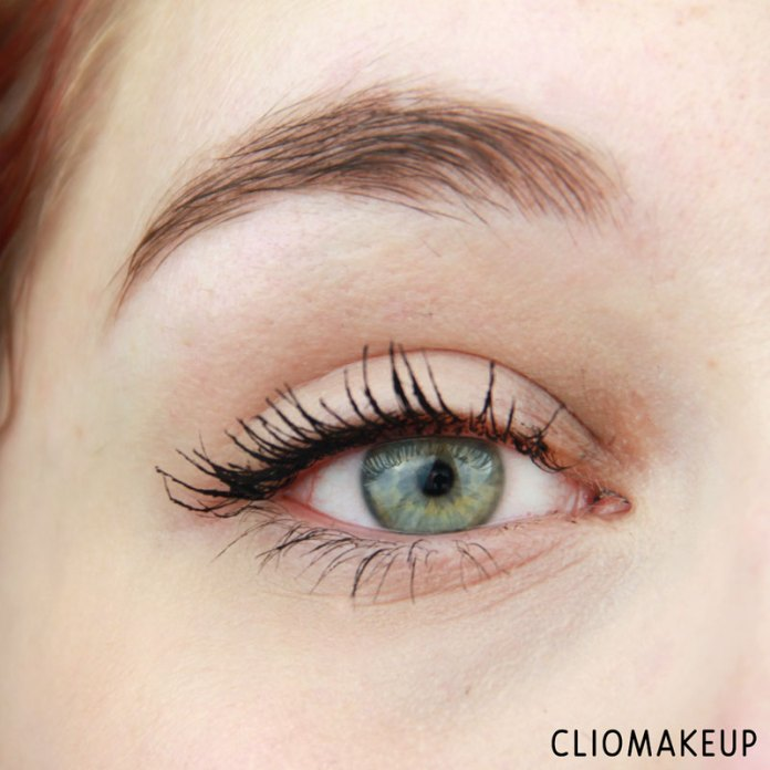 cliomakeup-recensione-forbidden-volume-false-lash-mascara-top-coat-essence-11