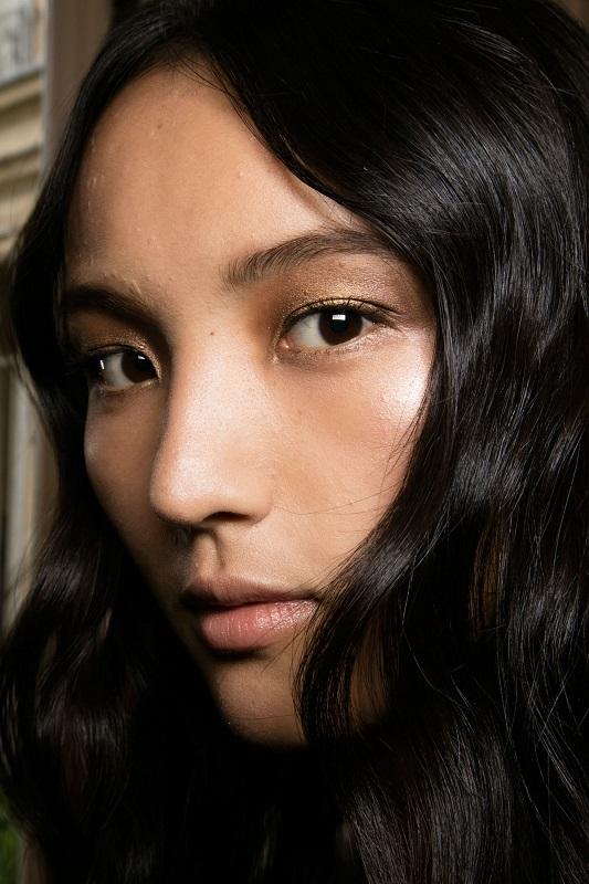 ClioMakeUp-alta-moda-Parigi-cat-eye-Dior-modelle-trucco-beauty-look-alberta-ferretti