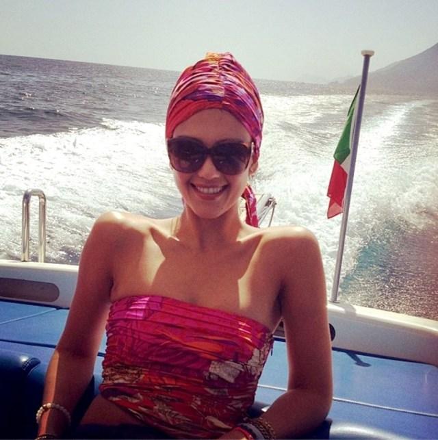 ClioMakeUp-blog-capelli-che-cadono-estate-rimedi-consigli-fai-da-te-foulard