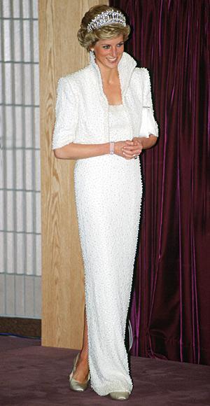 ClioMakeUp-lady-diana-7-elvis-dressClioMakeUp-lady-diana-7-elvis-dress