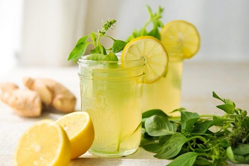 ClioMakeUp-ritenzione-idrica-rimedi-naturali-e-non-bere-zenzero-limone