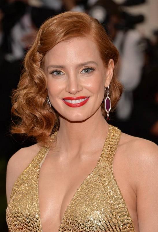 ClioMakeUp-trucco-capelli-rossi-occhi-blu-come-valorrizzarli-colori-jessica-chastain-rossetto-rosso-3