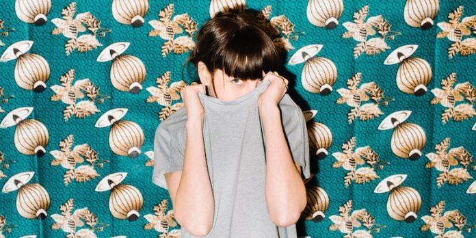 cliomakeup-errori-deodorante-9-vergogna