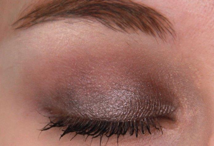 cliomakeup-recensione-24-ore-creamy-eyeshadow-deborah-milano-12