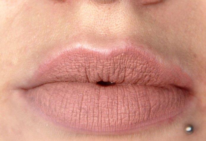 cliomakeup-recensione-lingerie-lipsticks-NYX-11